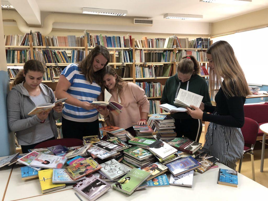 Šolska knjižnica OŠ Cirkovce in Potujoča knjižnica na skupni poti