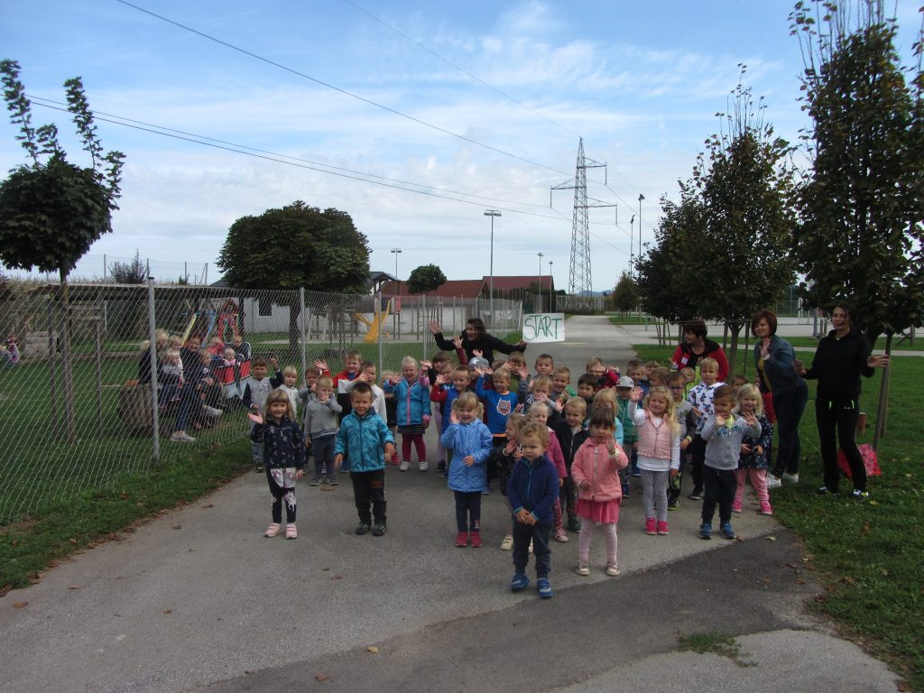 Množični tek za otroke v vrtcu Cirkovce